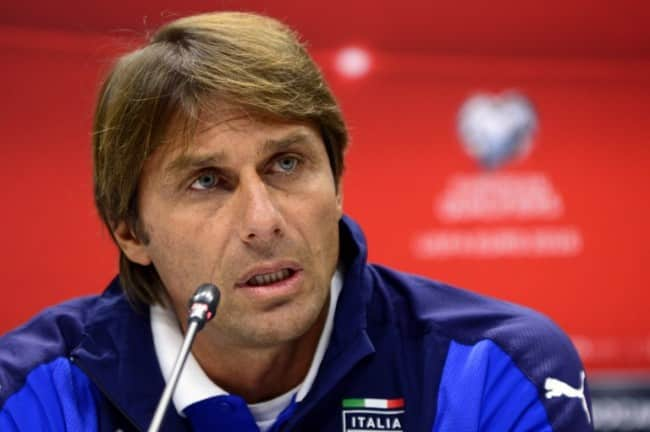 Italiens Trainer Antonio Conte in Baku am 9.Oktober 2015 am Abend vor dem UEFA Euro 2016 Group H qualifying football match zwischen Azerbaijan und Italien. AFP PHOTO / TOFIK BABAYEV