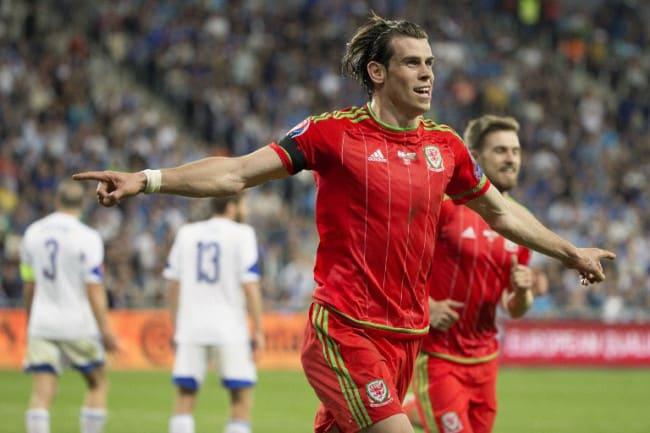 Wales' Stürmer Gareth Bale feiert sein Tor beim EURO 2016 Qualifikationsspiel eggen Israel in Haifa am 28.März 2015 (AFP PHOTO / JACK GUEZ)