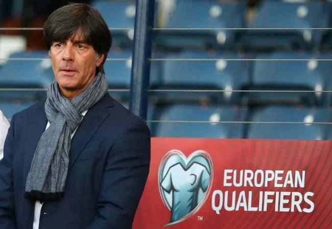 Bundestrainer Joachim Löw - Wird sich Deutschland vorzeitig für die EM 2016 qualifizieren? AFP PHOTO / IAN MACNICOL
