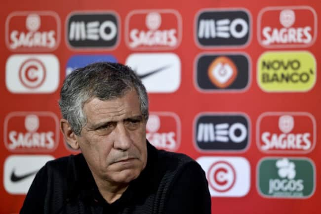 Portugal's Cheftrainer Fernando Santos am 28.März 2016bei der Pressekonferenz vpr dem Länderspiel gegen Belgien. / AFP PHOTO / PATRICIA DE MELO MOREIRA