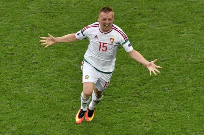 Ungarns Mittelfeldspieler Laszlo Kleinheisler erzielt das 1:0 gegen Österrreich am 14.Juni 2016 / AFP PHOTO / GEORGES GOBET