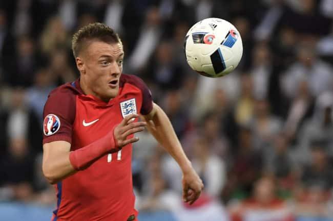Englands Stürmer Jamie Vardy beim Vorrundenspiel der Gruppe B England gegen Slowakei in Geoffroy-stadion am 20.06.2016. / AFP PHOTO / jeff pachoud