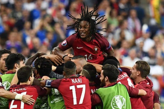 Portugal's Renato Sanches jubelt - Portugal ist Europameister 2016! / AFP PHOTO / FRANCK FIFE